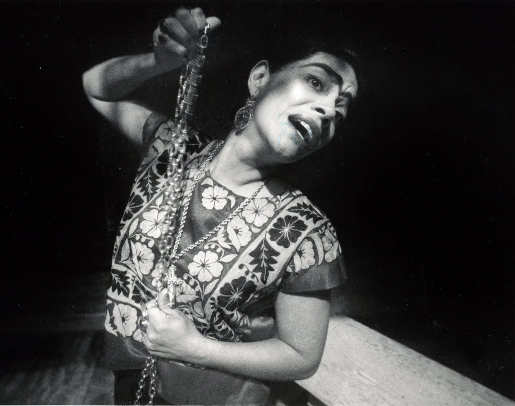 Cora Cardona portrayed Frida Kahlo in The Diary of Frida, presented by Teatro Dallas and the Dallas Museum of Art, in 1988.