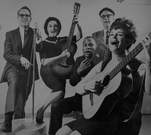 Lu Mitchell (far right) in a photo with her folk band in 1962. (The Dallas Morning News archives.)