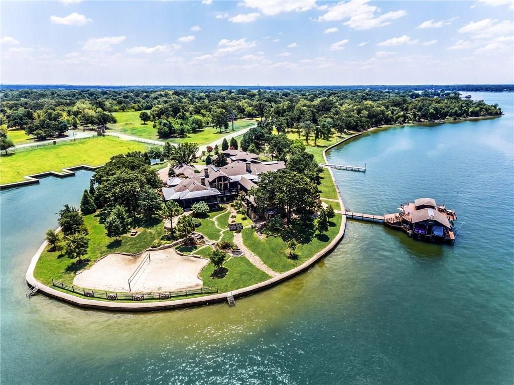 Designed for relaxing and entertaining, the 2.78-acre Cedar Creek Lake property at 4370 Palm in Malakoff is available fully furnished, with boats and Jet Skis.
