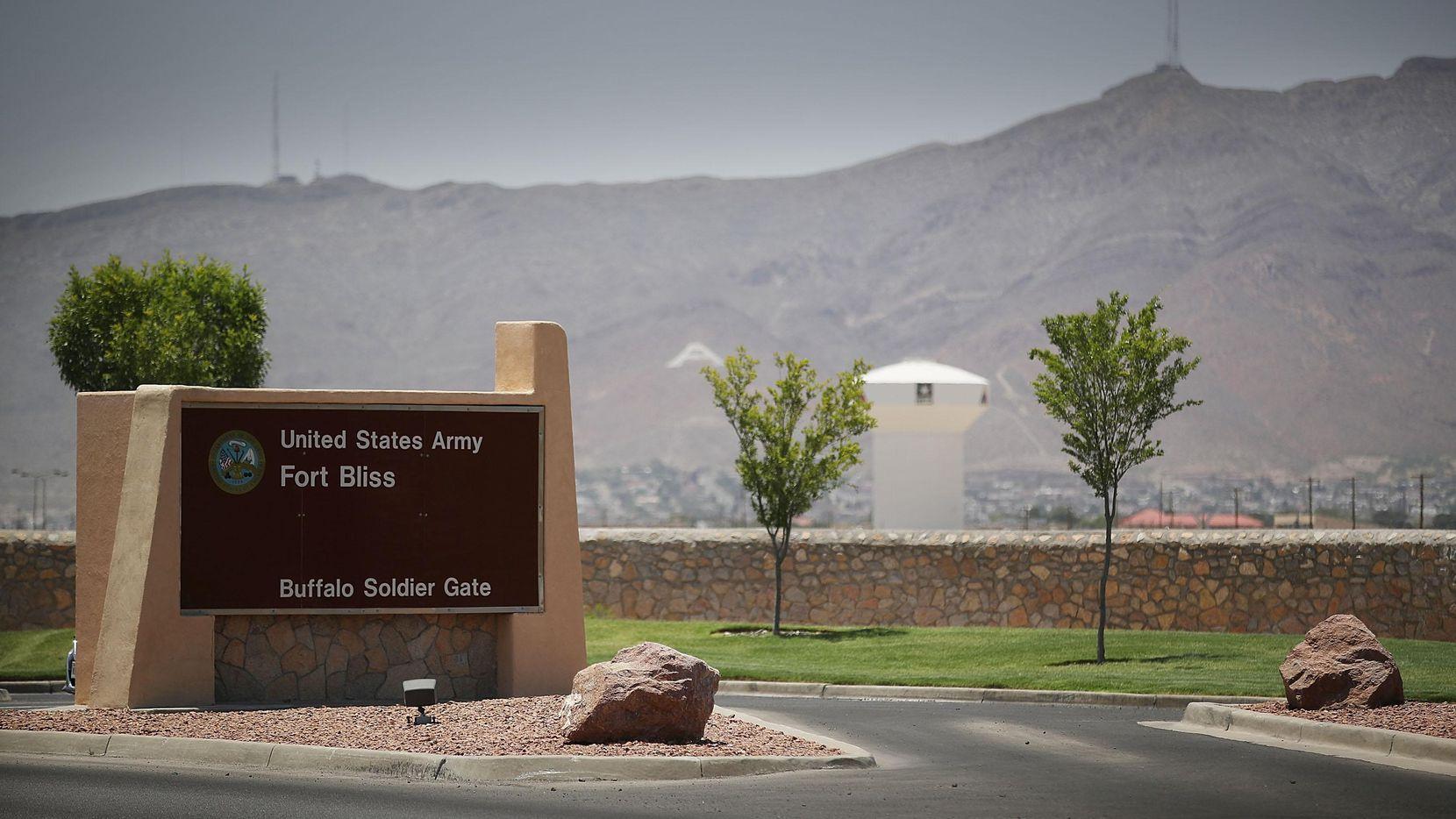 La entrada a la base militar Fort Bliss en El Paso, Texas.