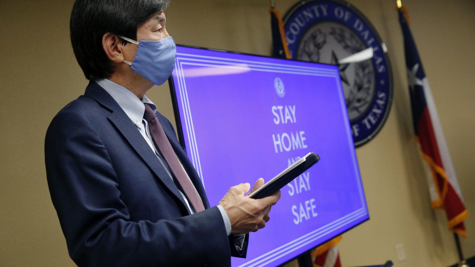 El doctor Philip Huang intervino en la rueda de prensa de presentación del sistema de rastreo de contactos con ayuda tecnológica que utilizarán los DCHHS.