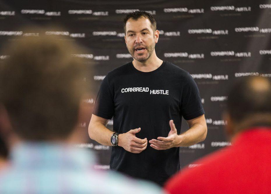 Michael Elliott speaks to an entrepreneurship class.  (Ashley Landis/The Dallas Morning News)