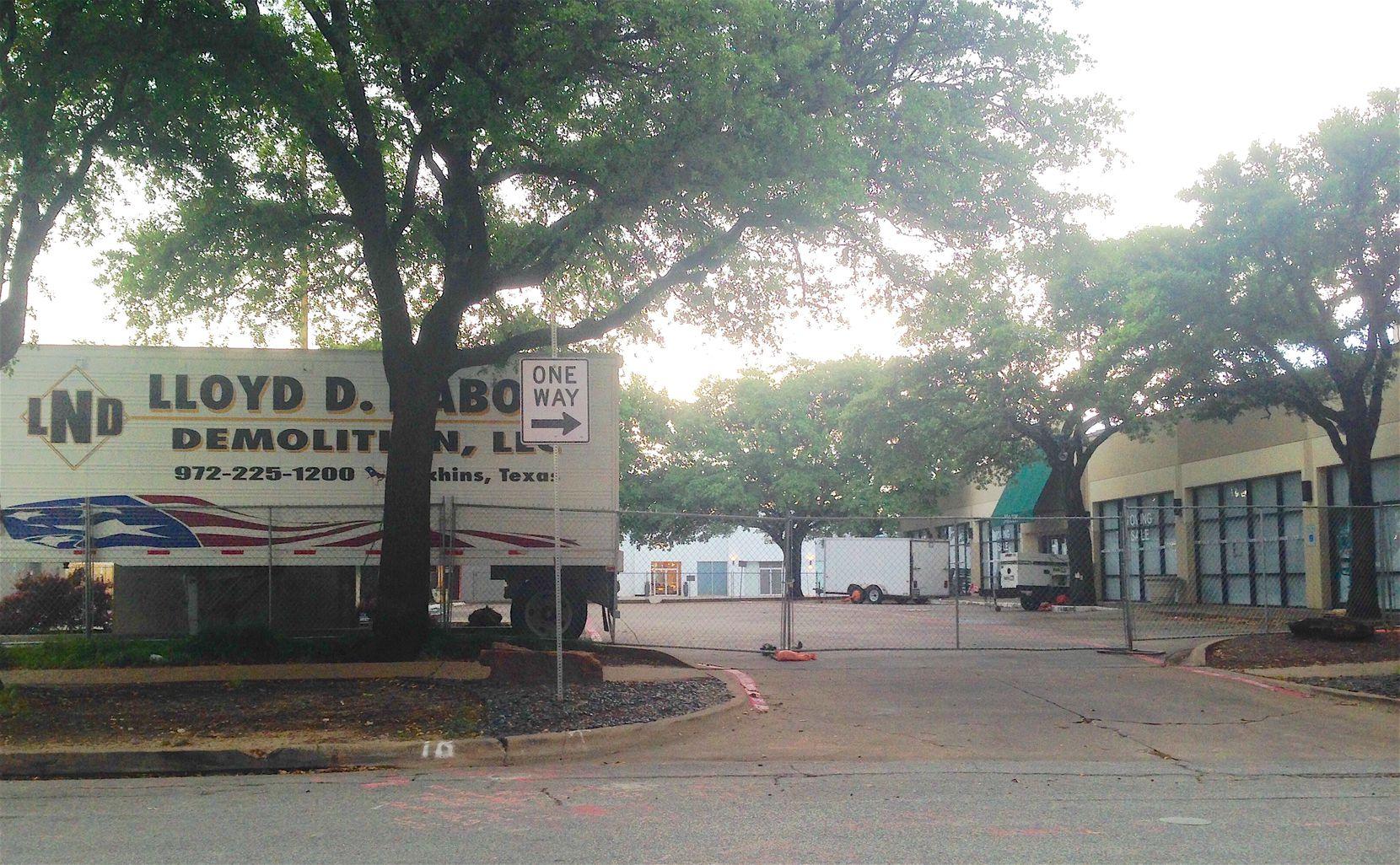 Dirt Flies On Dallas Knox Street With Restoration