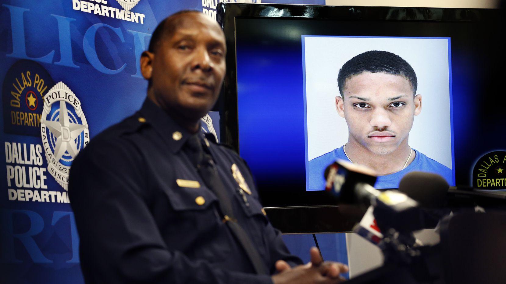Danny Williams de la Policía de Dallas habla de la investigación en el homicidio de la niña Brandoniya Bennett de 9 años. El sospechoso Tyrese Simmons de 19 años ya está en custodia.