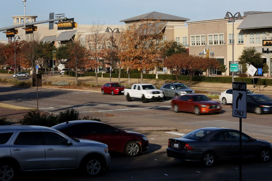 Traffic flows along west Legacy Drive and Parkwood Boulevard near The Shops at Legacy in Plano. (Andy Jacobsohn/Staff Photographer)