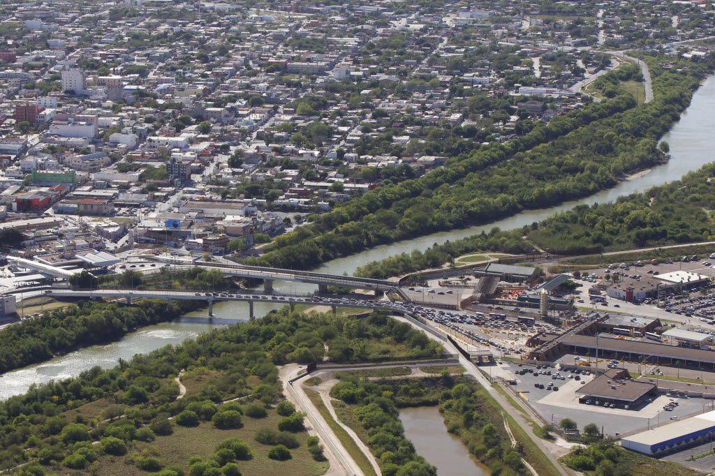 Traffic entering the U.S. (right) from Reynosa, Mexico (left) at the Hidalgo Port of Entry on the Mcallen-Hidalgo-Reynosa International Bridge across the Rio Grande river on Thursday March 24, 2016 in Hidalgo, Texas.  (Nathan Lambrecht/Special Contributor)