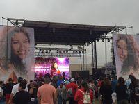 Selena impacta a generaciones posteriores a su muerte y se ha convertido en un referente de la música latina a nivel global. Tan solo en Spotify registra 3.2 millones de oyentes mensuales.