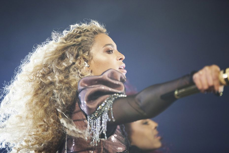 After Beyonce performed at NRG Stadium on Saturday, the Texan brought her explosive show to the Dallas area on Monday.
