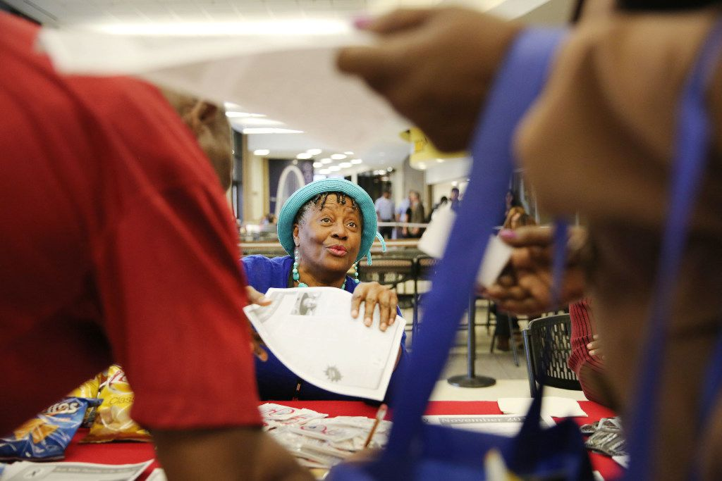 Helen Turner Goldenberg speaks with guests at a World AIDS Day health fair at El Centro College in downtown Dallas. (Andy Jacobsohn/The Dallas Morning News)