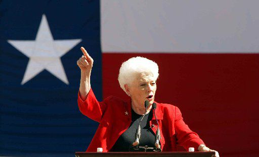 Former Texas governor Ann Richards speaks at a early vote rally on the campus of the University of Texas