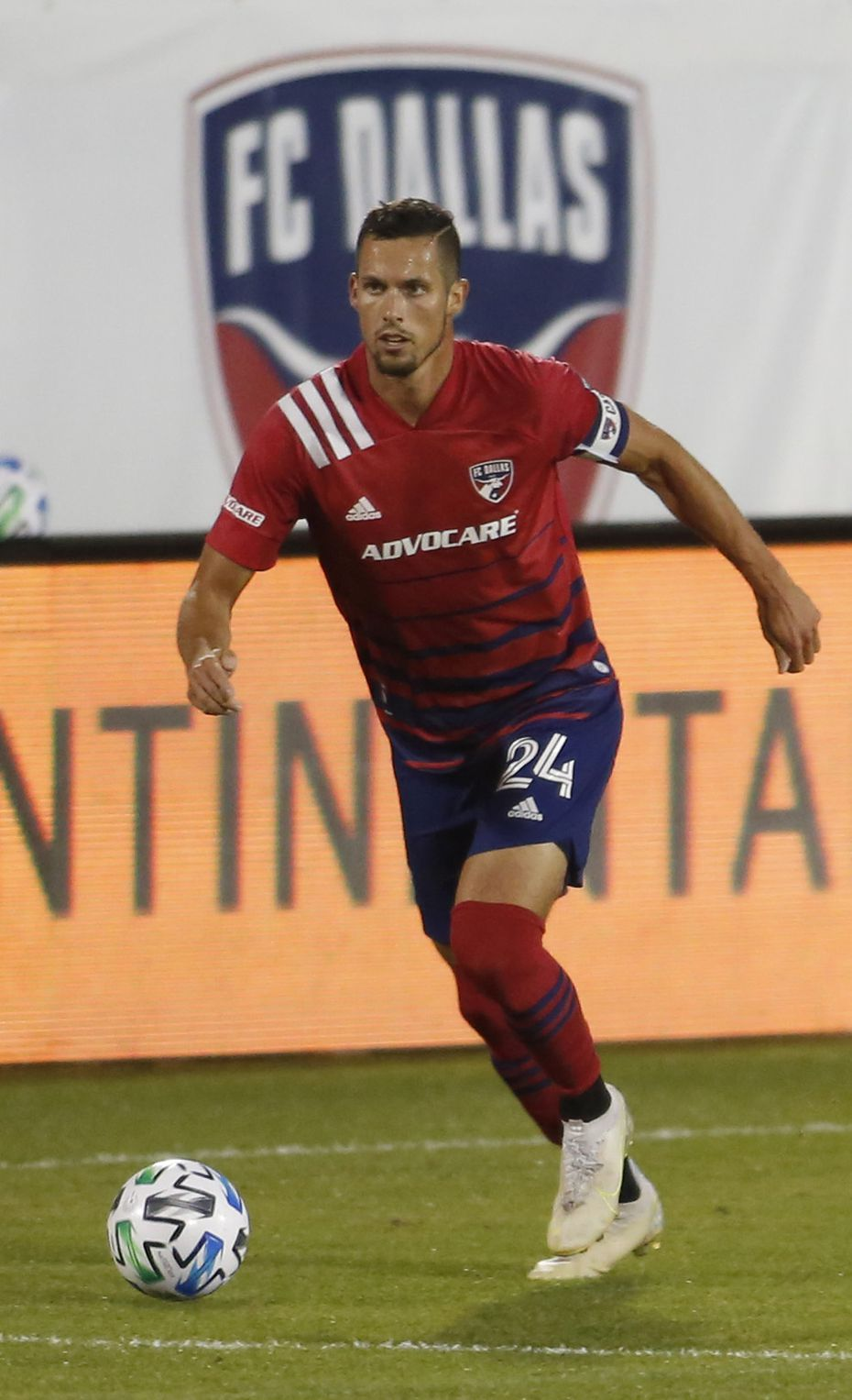 FC Dallas defender Matt Hedges (24) looks for an open team member during first half action against Inter Miami. The two teams played their Major League Soccer match at Toyota Stadium in Frisco on October 28, 2020. (Steve Hamm/ Special Contributor)