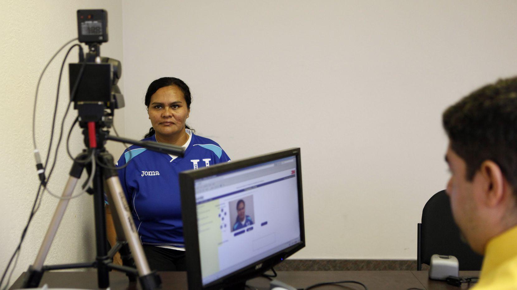 El Consulado de Honduras en Dallas abrirá citas para tramitar el pasaporte este 1 de septiembre.
