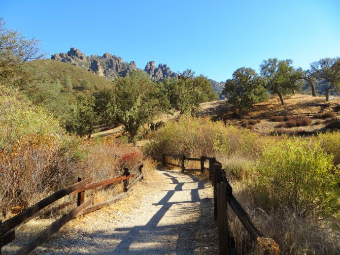 Pinnacles National Park cerca del valle de Salinas en California.