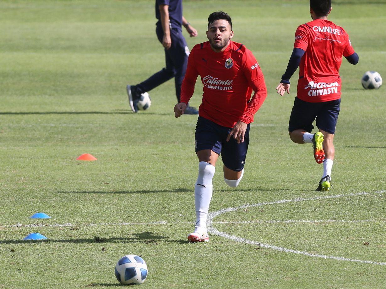 Alexis Vega está listo para reaparecer con Chivas de Guadalajara en el Clásico contra las Águilas del América.