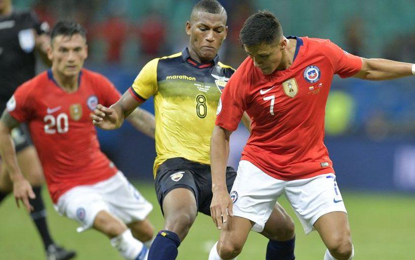 Carlos Gruezo (centro) es seleccionado de Ecuador y mediocampista del FC Dallas.  (Raul ARBOLEDA / AFP/Getty Images)