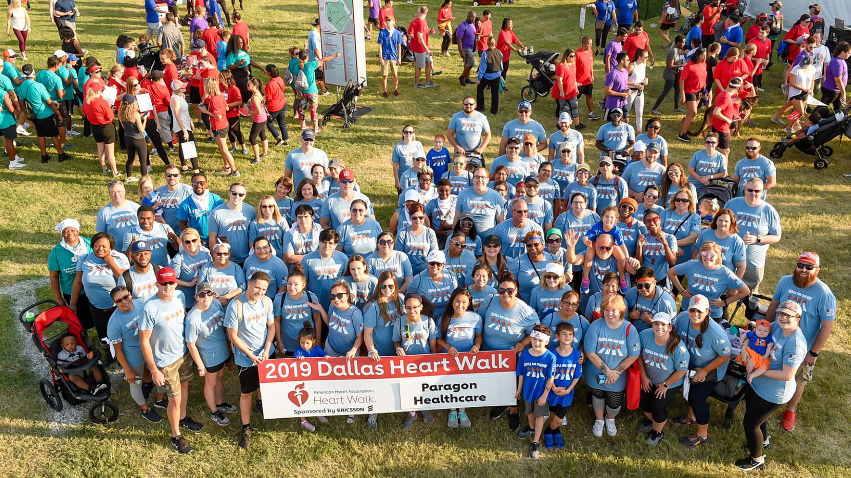 Paragon Healthcare workers posed for a group shot at the 2019 Heart Walk.