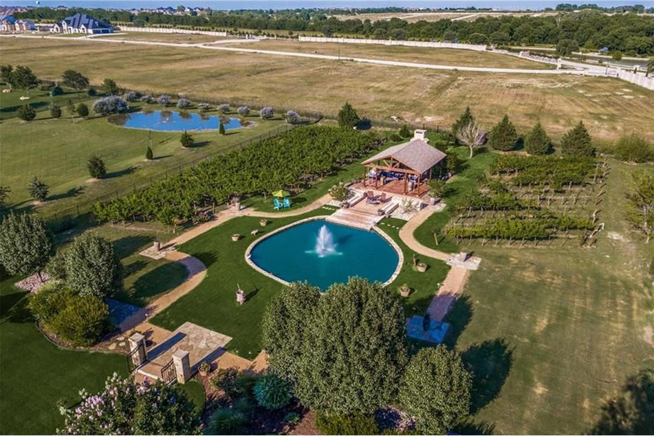 The estate east of Preston Road has a pool and vineyard.