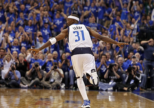 Dallas Mavericks shooting guard Jason Terry (31) reacts to a shot against Oklahoma City Thunder during the second quarter in Game 5 of the NBA Western Conference Finals at American Airlines Arena in Dallas, on May 25, 2011.