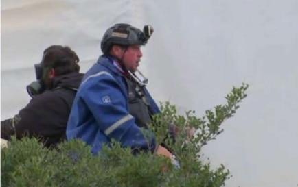 Imágen tomada por Fox News de  Guy Refitt, de 48 años, afuera del edificio del Capitolio en Washington, D.C.