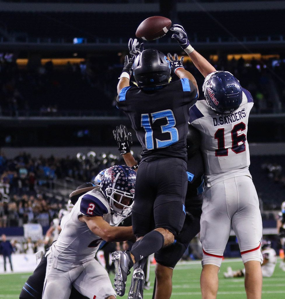 Denton Ryan's wide receiver Drew Sanders (16) fails to catch a Hail Mary pass in the final second of a Class 5A Division I state championship game against Alvin Shadow Creek at the AT&T Stadium in Arlington, on Friday, December 20, 2019. Shadow Creek won 28-22. (Juan Figueroa/The Dallas Morning News)