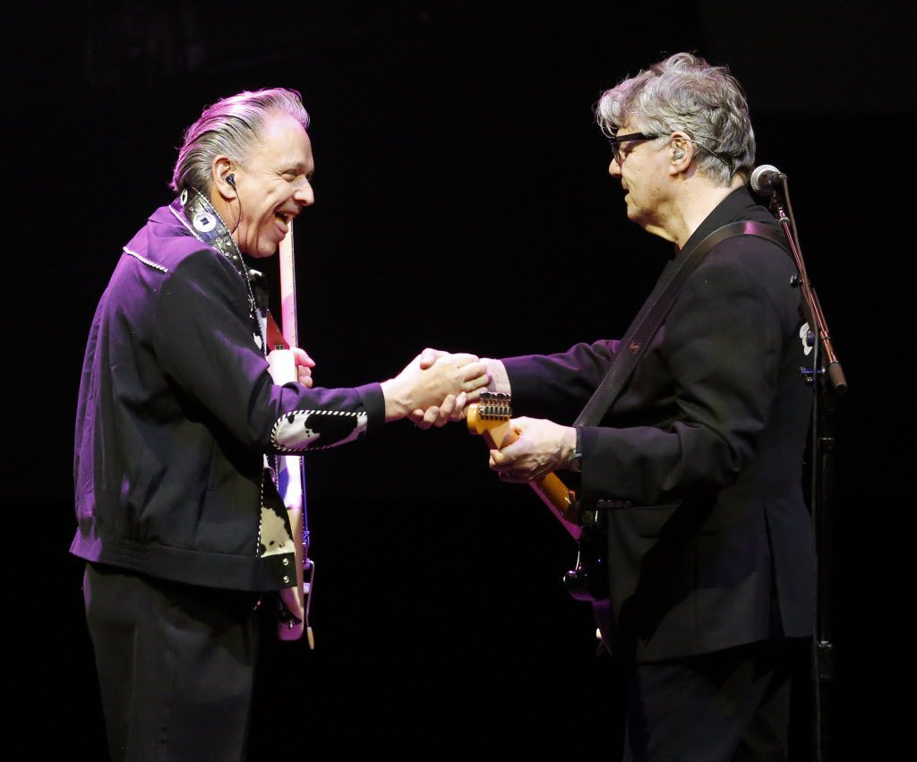 Steve Miller (right) acknowledges Jimmie Vaughan after they performed several songs together on Monday at Verizon Theatre.
