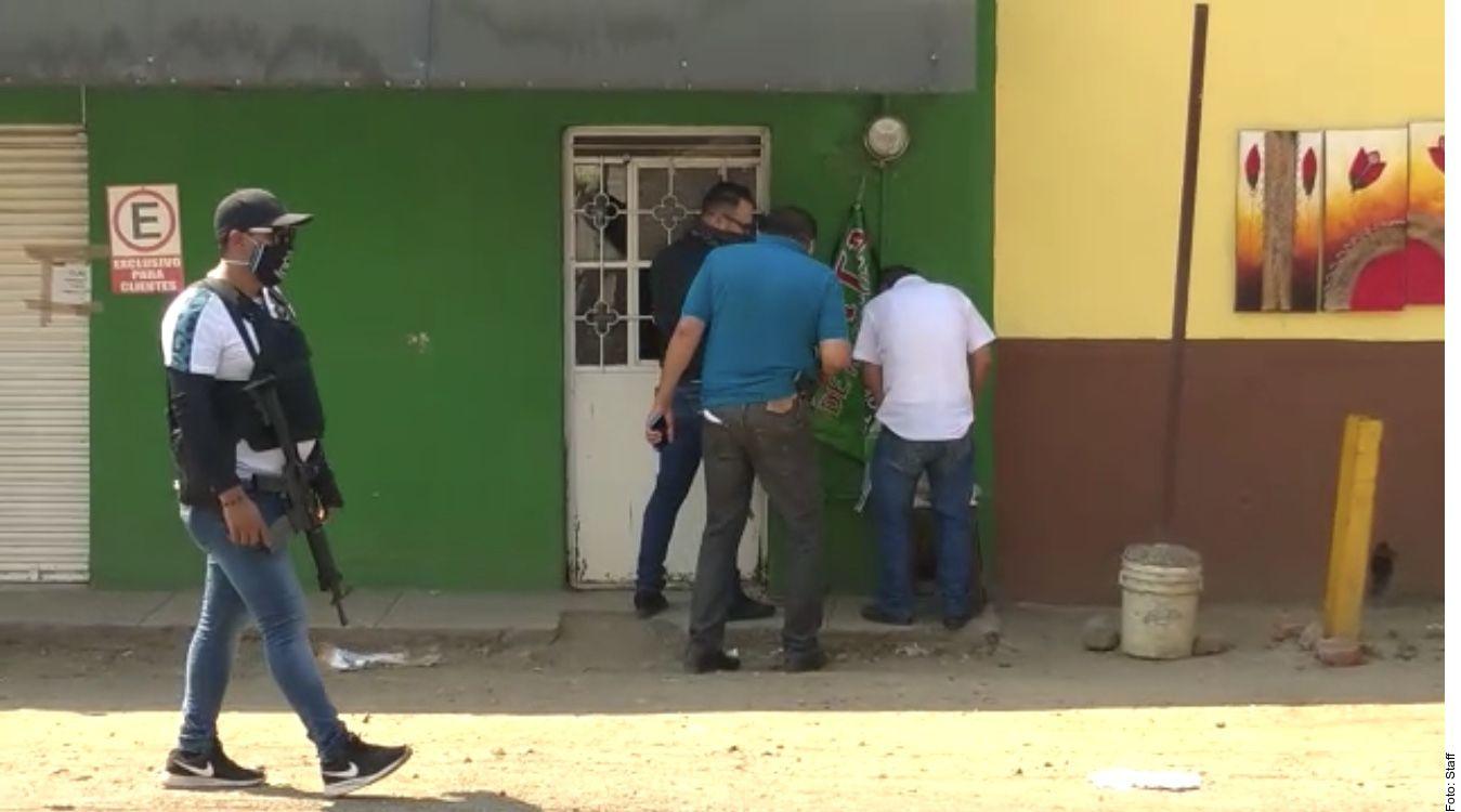 Al menos 21 personas fallecieron en Morelia por consumir mezcal mezclado con metanol. La policía en México ha decomisado varios establecimientos que vendían alcohol adulterado.