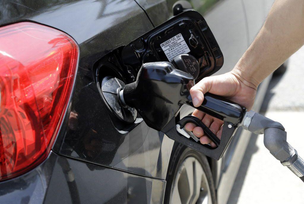El costo promedio del galón de gasolina en Texas es $2.12.
