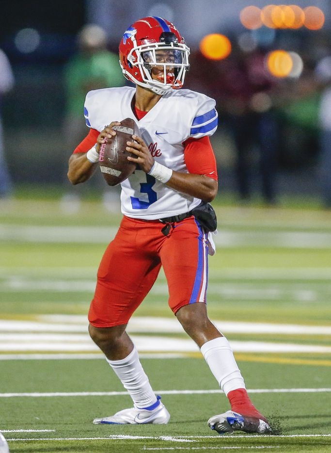 Duncanville senior quarterback Solomon James (3) looks for an open receiver during the first half of a high school football game against DeSoto at DeSoto High School, Friday, September 17, 2021. (Brandon Wade/Special Contributor)