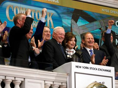 Dallas Cowboys owner, and major stockholder of Comstock Resources Jerry Jones, with wife Gene, is applauded as he rings the New York Stock Exchange opening bell, Wednesday, Sept. 4, 2019. The company celebrated its $2.2 billion acquisition of Covey Park Energy.