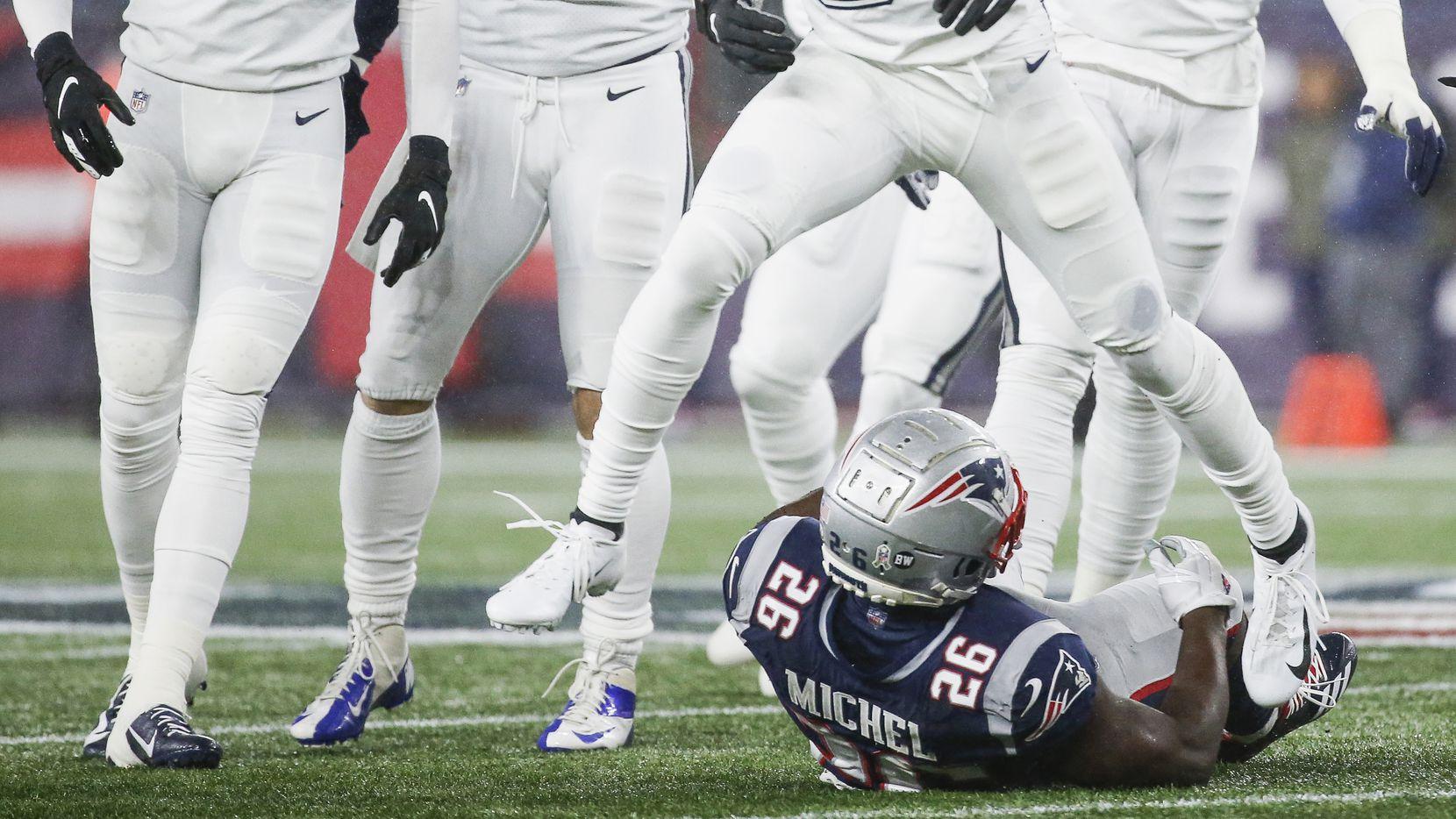 Uniforme todo blanco es el que utilizarán los Dallas Cowboys en su juego del Día de Acción de Gracias cuando enfrenten al equipo de Washington.