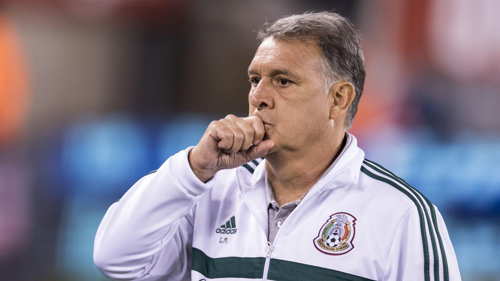 Gerardo Martino comienza a sentir las presiones que conlleva el puesto de entrenador de la selección mexicana.