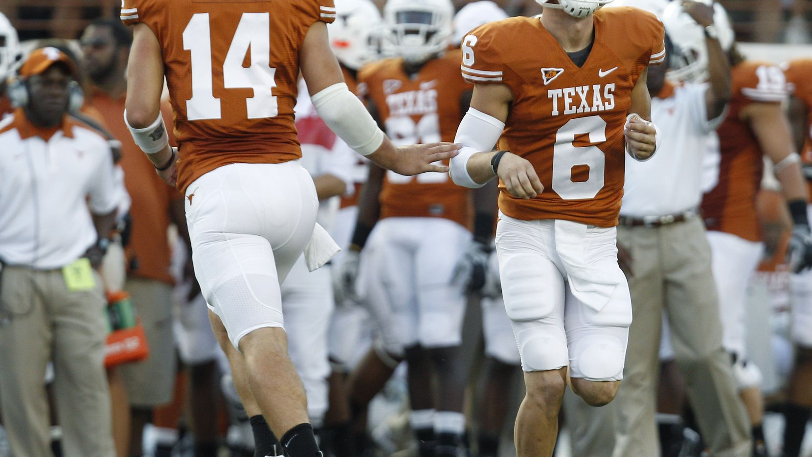 With Garrett Gilbert Out Longhorns Only Two Deep At Quarterback