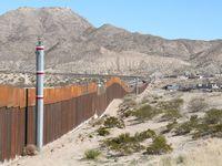 En la frontera entre México y Texas quieren construir un muro ¡pero solar! Es la propuesta del Consejo Mexicano de la Energía (Comener) para contribuir en la reducción de emisiones e impulsar el desarrollo de energías renovables.