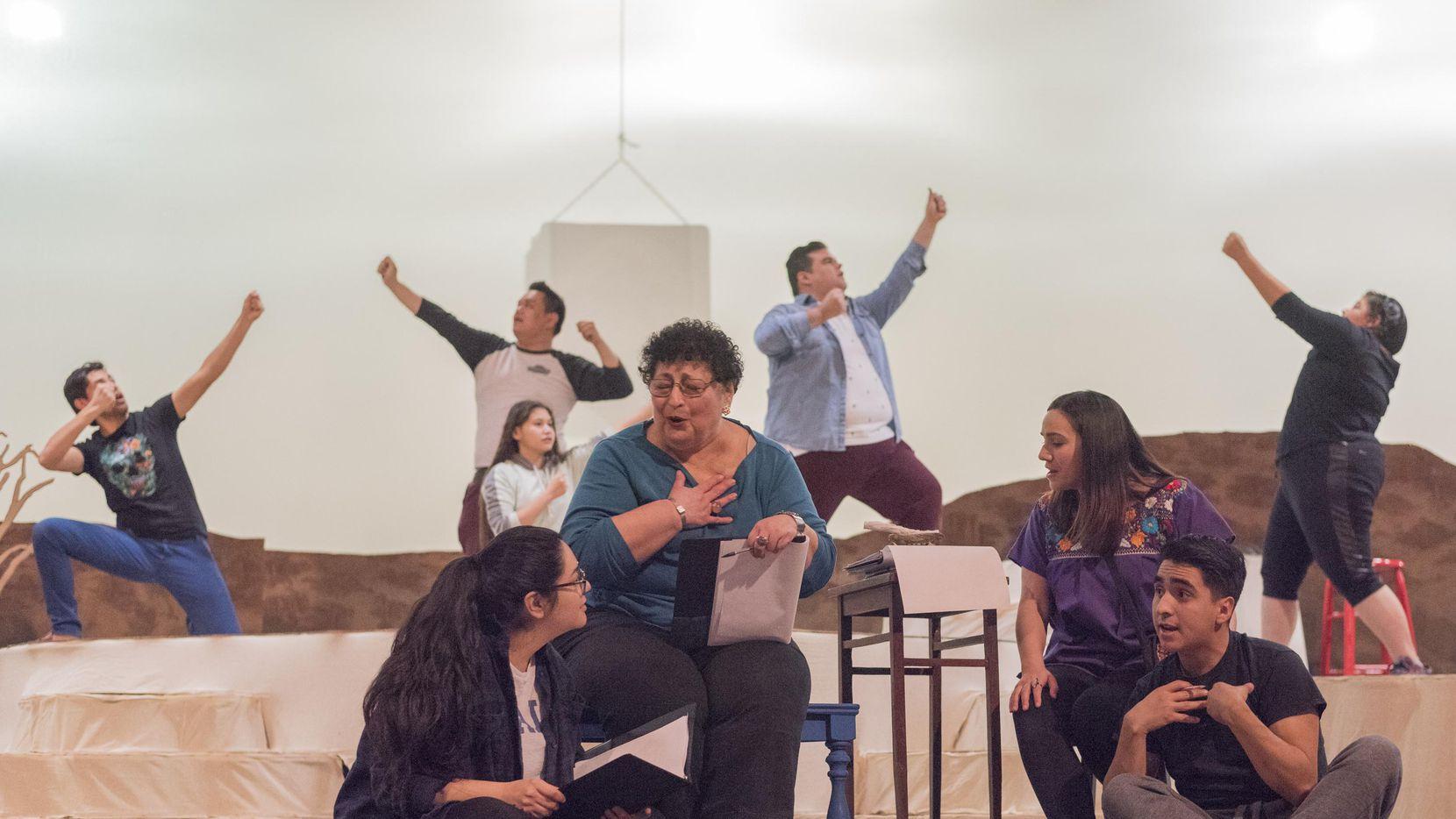 """Un ensayo de la semana pasada para la obra """"Yana Wana's Legend of the Bluebonnet"""", que se estrena el viernes en Dallas Children's Theater. (ESPECIAL PARA DMN/Rex C Curry)"""