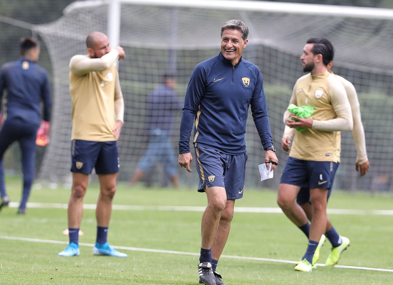 El técnico español Míchel González sorprendió con su decisión de abandonar a Pumas de la UNAM.