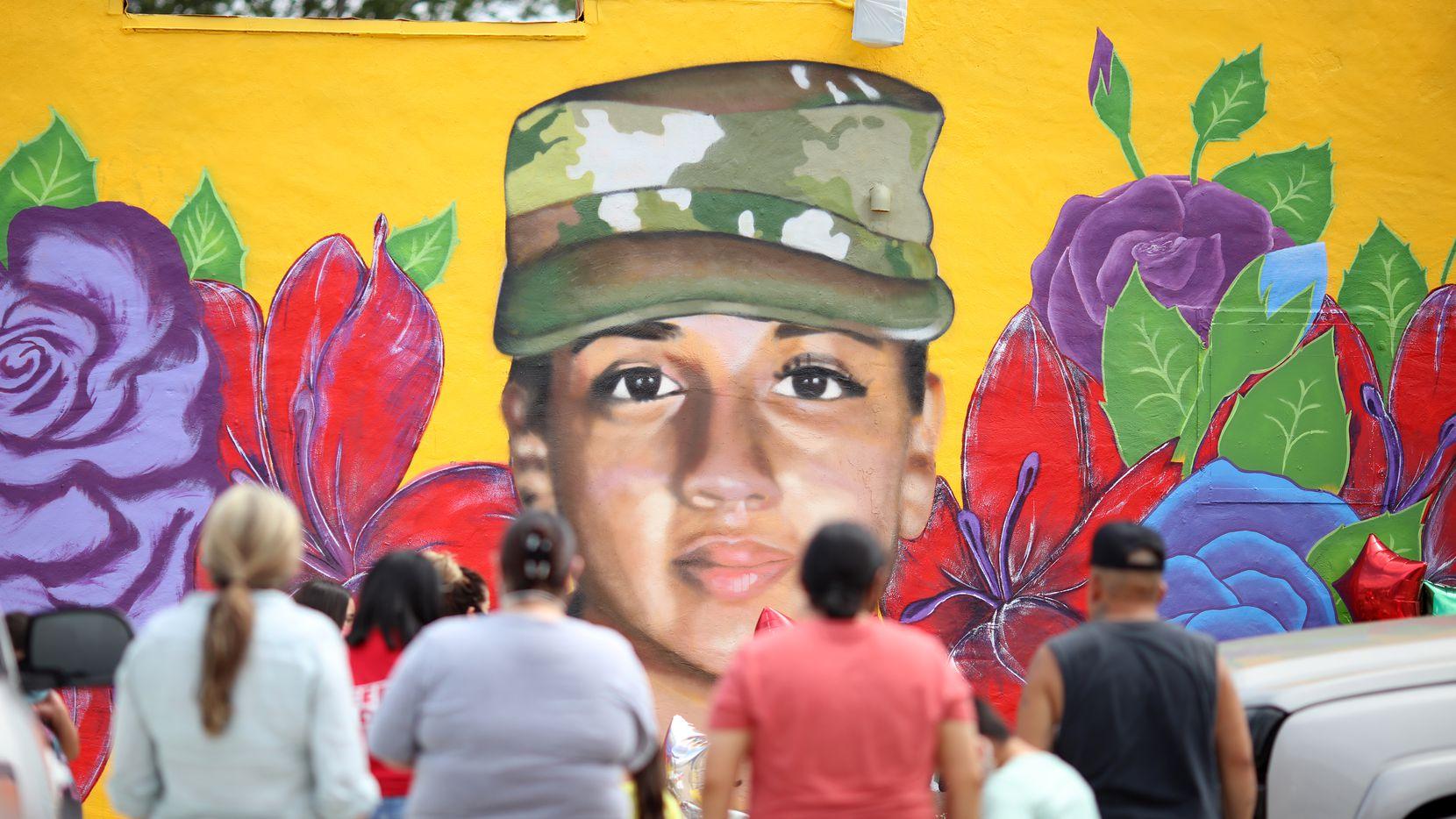 La Legislatura de Texas aprobó una ley para castigar los delitos sexuales dentro de las Fuerzas Militares de Texas. Dicha ley fue llamada Vanessa Guillén, en honor a la joven militar asesinada en la base militar de Fort Hood. En la imagen, un mural con el rostro de Vanessa Guillén, en Fort Worth, pintado por el artista plástico Juan Velázquez.