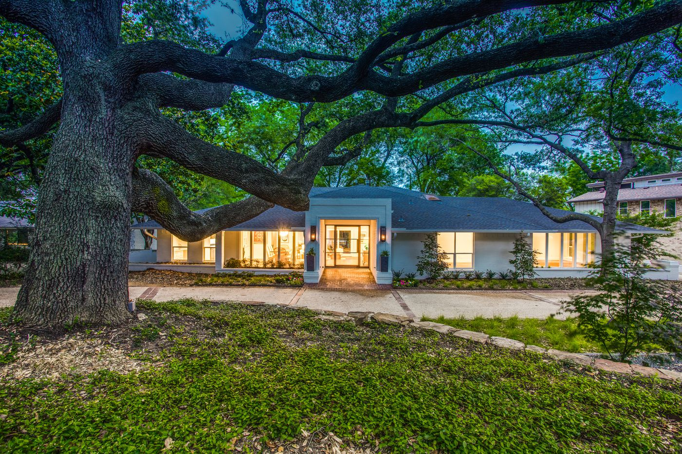 A look at the property at 7557 Benedict in Dallas.