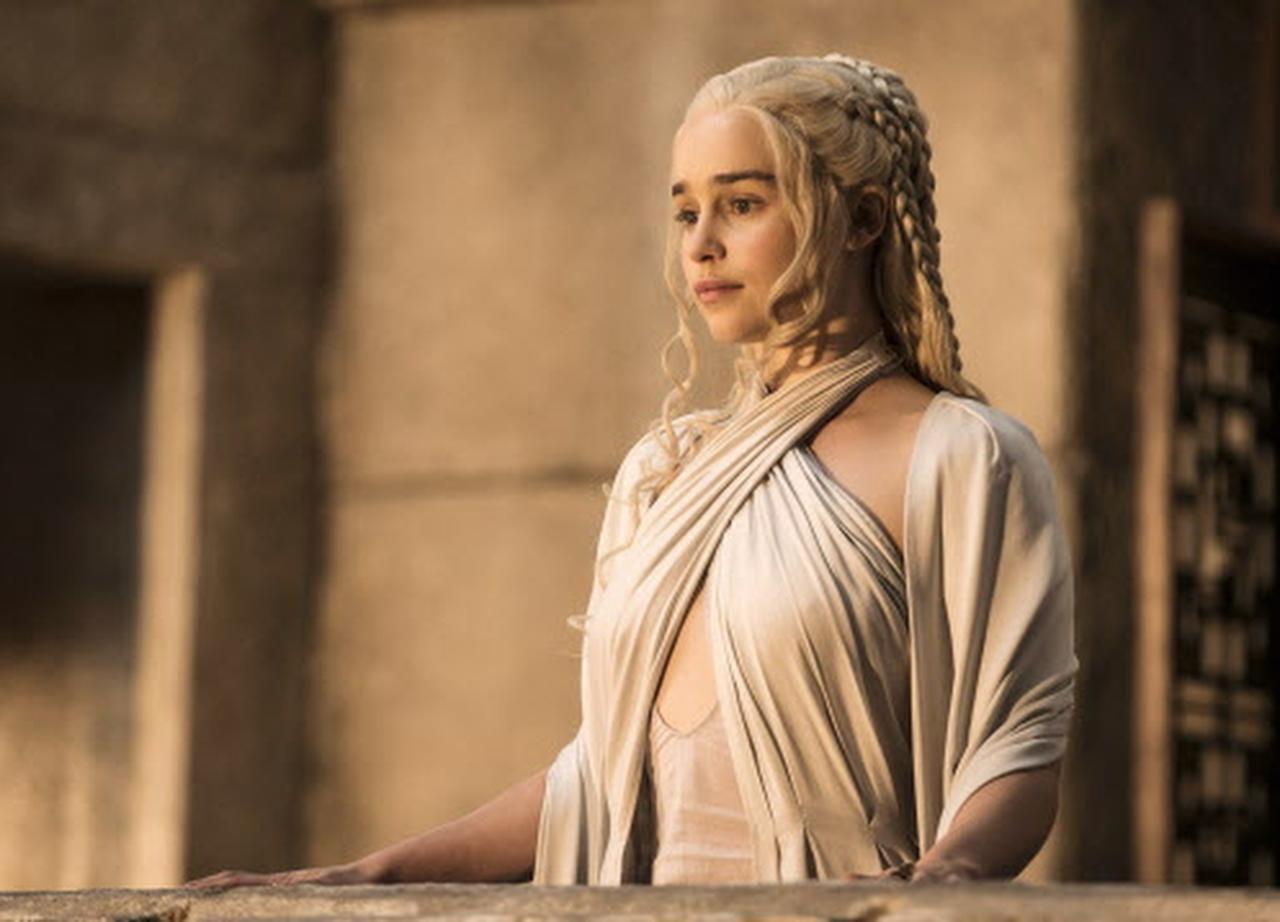 Emilia Clark en la quinta temporada de 'Game of Thrones' (NYT/HELEN SLOAN)
