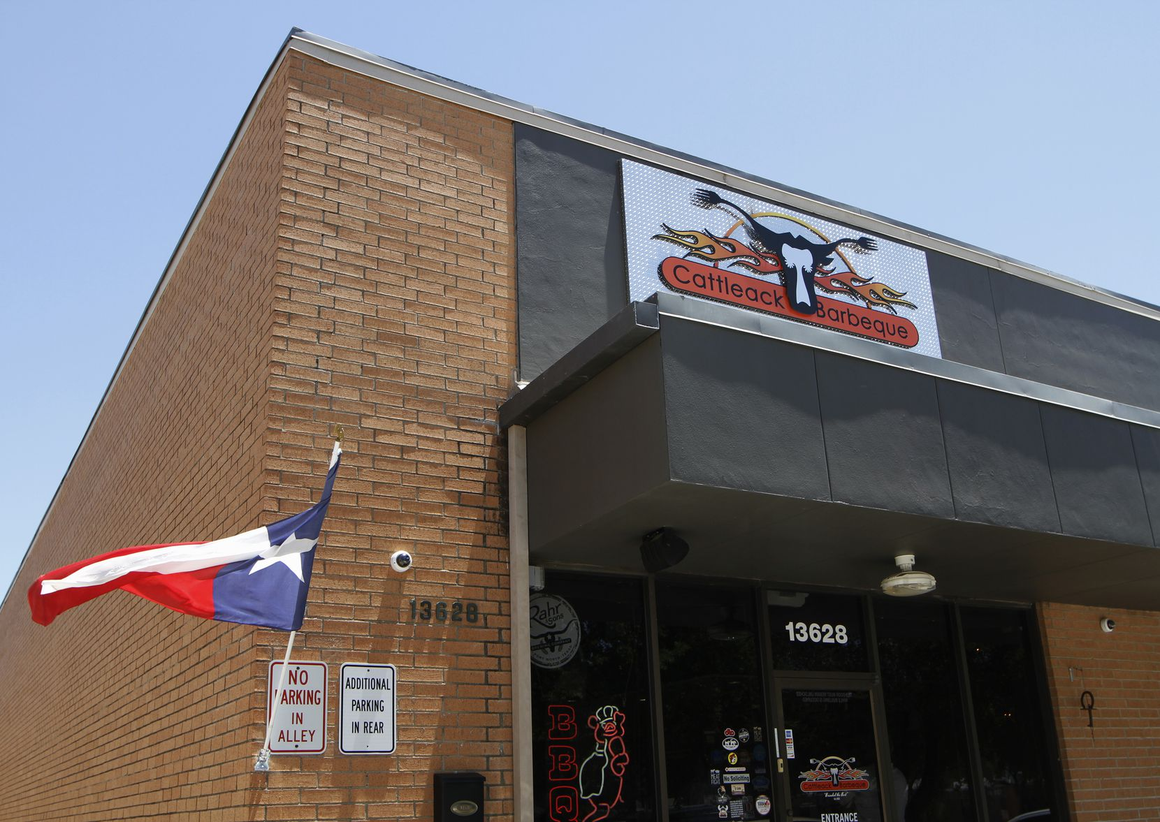 The Texas flag displayed at Cattleack Barbeque restaurant
