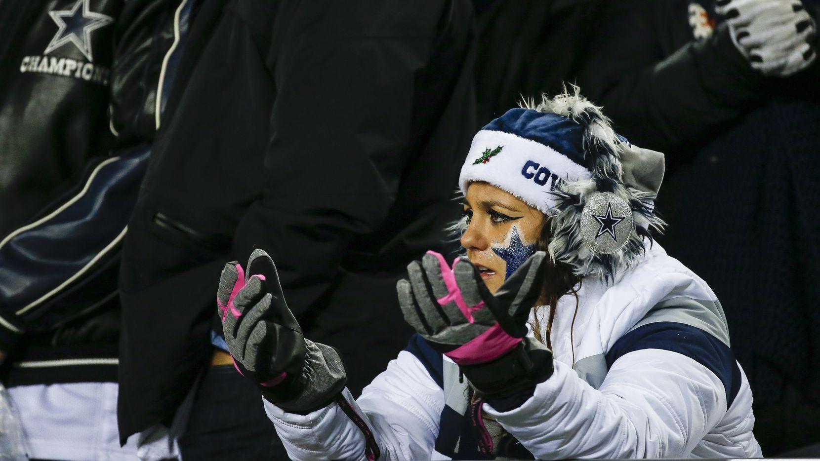Los aficionados de los Dallas Cowboys esperan que su equipo rompa la racha de tres derrotas consecutivas cuando el domingo reciban a los Rams de Los ángeles en el AT&T Stadium de Arlington.