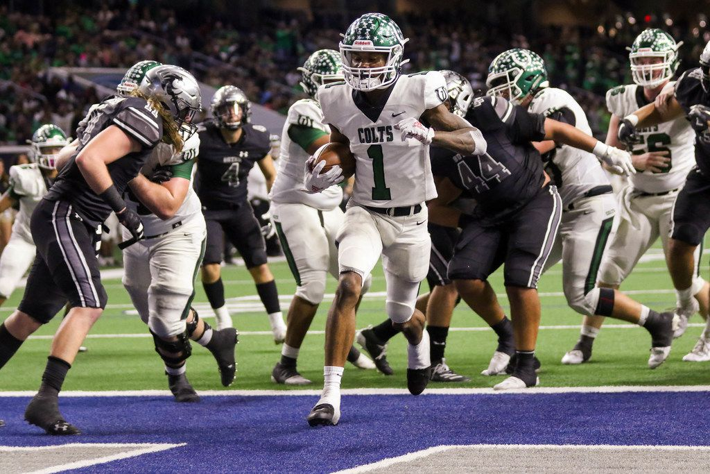 ArlingtonÕs wide receiver Charles Brown (1) scores runs past GuyerÕs defense to score a touchdown in the fourth quarter of a Class 6A Division II Region I semifinal game at the Star in Frisco, on Saturday, November 30, 2019. Guyer won 42-21 to advance to the regional final. (Juan Figueroa/The Dallas Morning News)