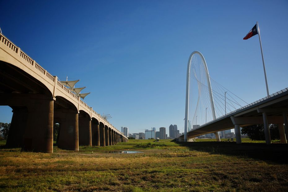 The space between the Margaret Hunt Hill Bridge on the right and the Ron Kirk Bridge on the left would be included in plans for the future 155-acre Simmons Park.