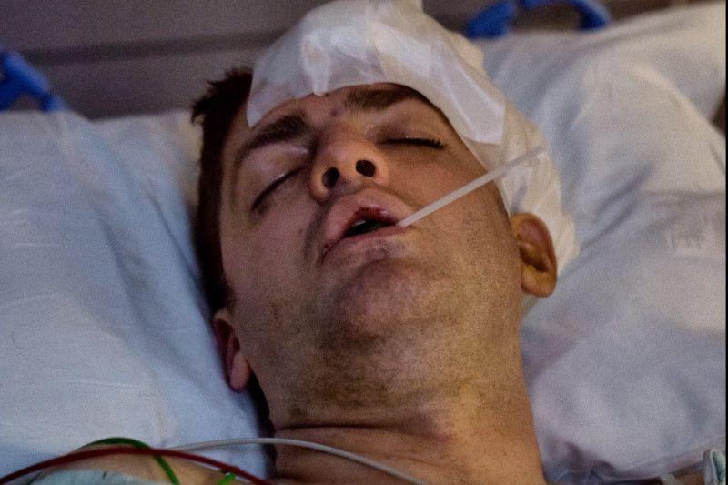Drek Whitener se recupera en el hospital Baylor luego de una golpiza sufrida en las afueras de un Target en Uptown.