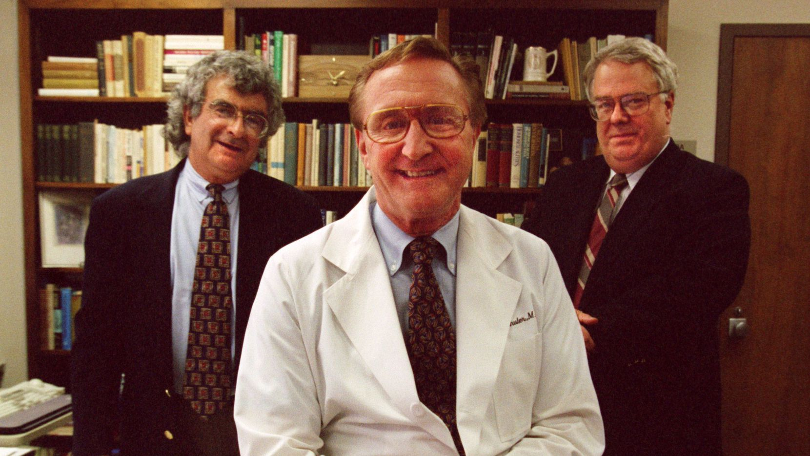 Dr. Kenneth Altshuler (center), is pictured with two colleagues, Dr. Joel S. Feiner (left) and Dr. John Rush in this 1996 photo.