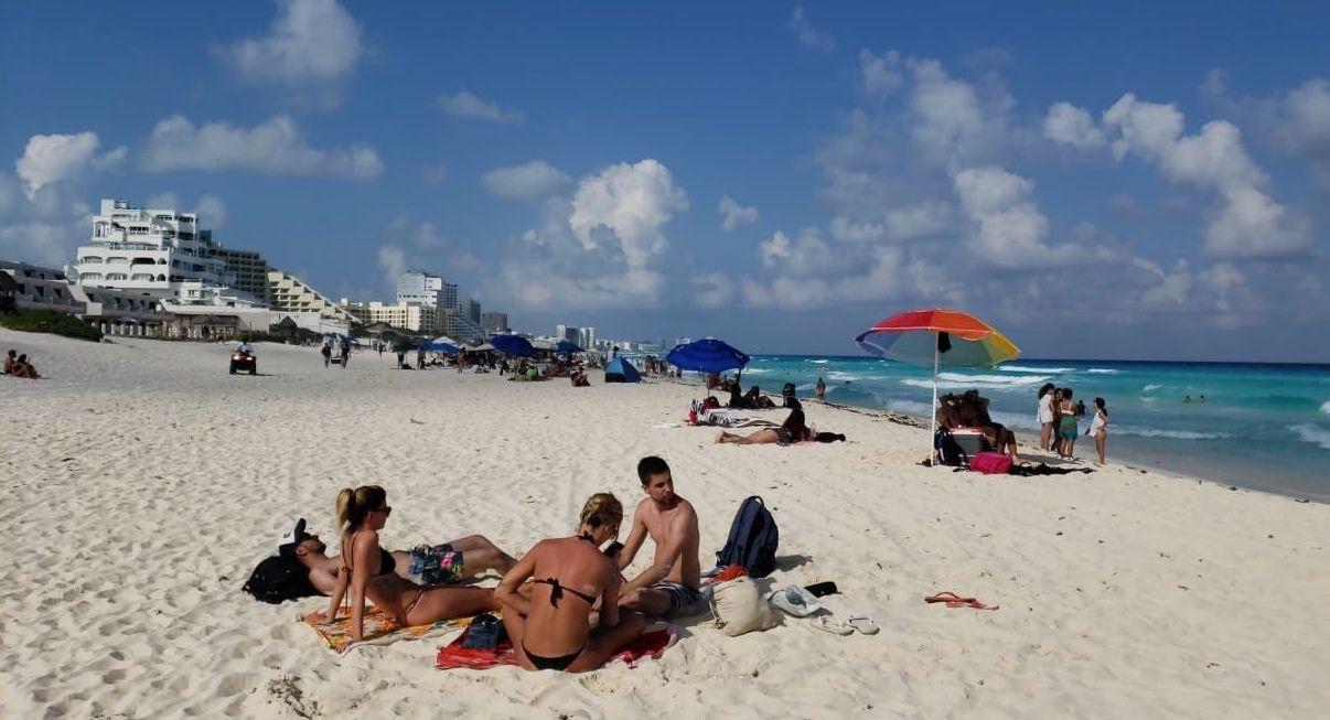 Los hoteles de Cancún tuvieron un promedio de 13% de ocupación cuando se decretaron medidas de aislamiento por la pandemia de covid-19.