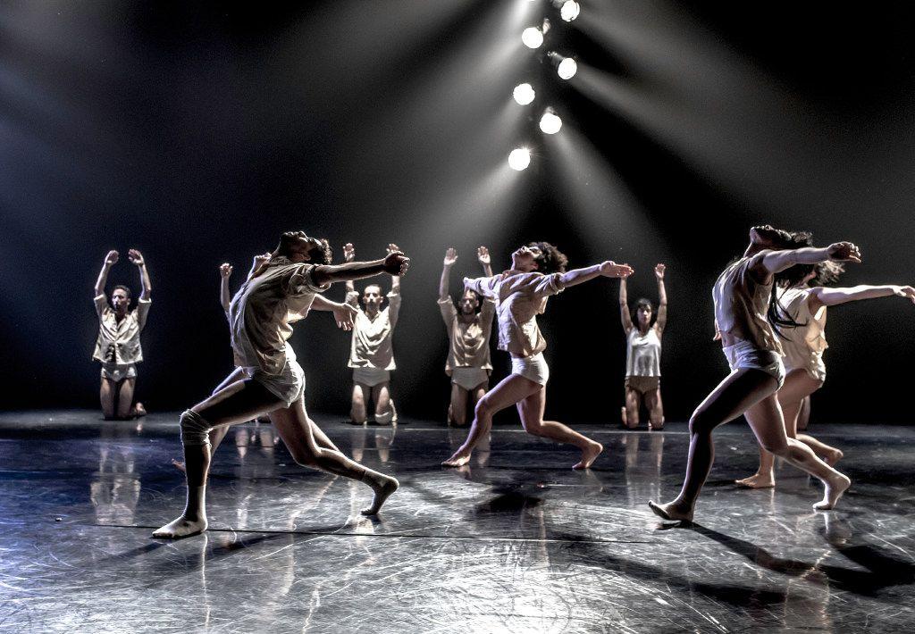 Kibbutz Contemporary Dance Company in Horses in the Sky.