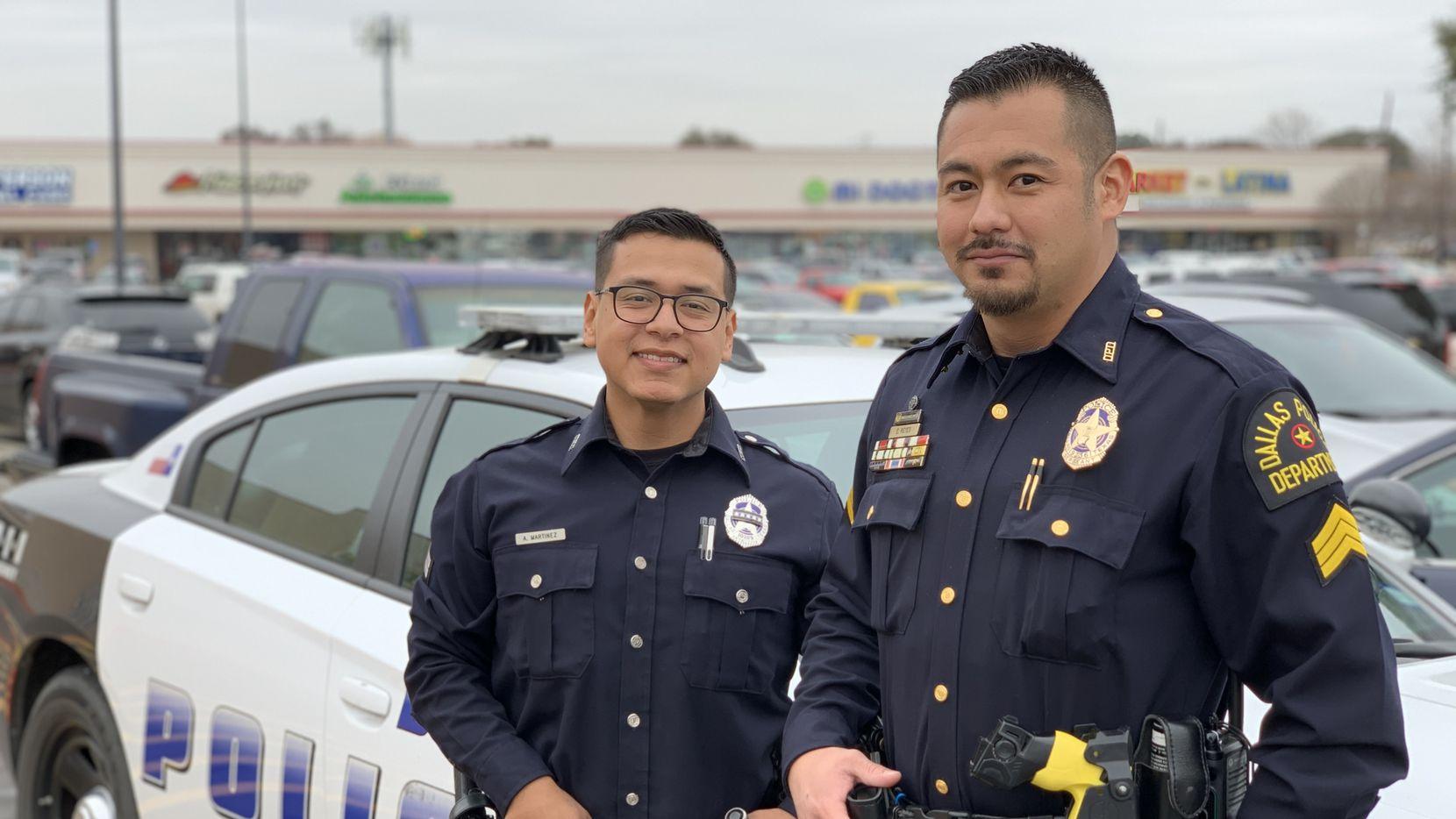 Arturo Martínez (izquierda) y Edward Reyes (derecha) son los nuevos líderes de Unidos, el programa de la Policía de Dallas para la comunidad latina.
