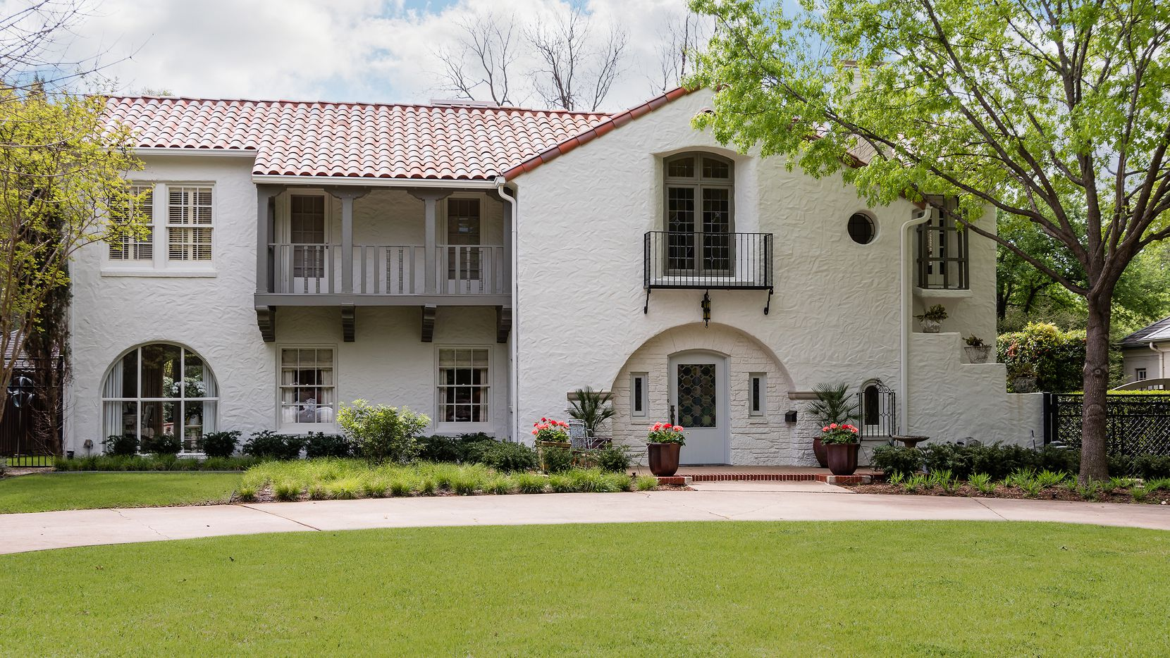 Take a look at the 1925 Fooshee and Cheek design at 5422 Montrose Drive.