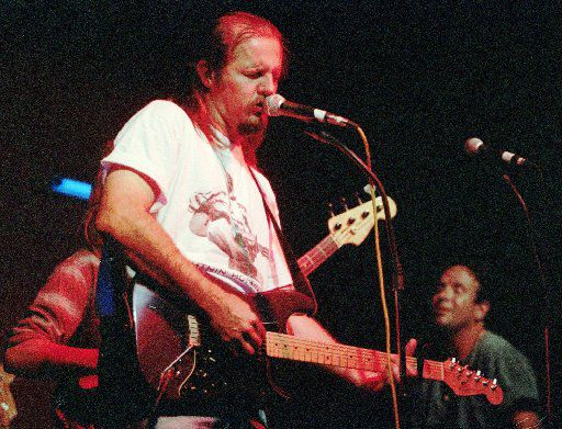 ORG XMIT: NY333 Singer/guitarist Jimmy  Lafave performs at the Alligator Lounge in Santa Monica, Calif.,  July 16, 1994. LaFave's band rocks with authority, but what sets  him apart is his voice, soulful as any in rock 'n' roll.