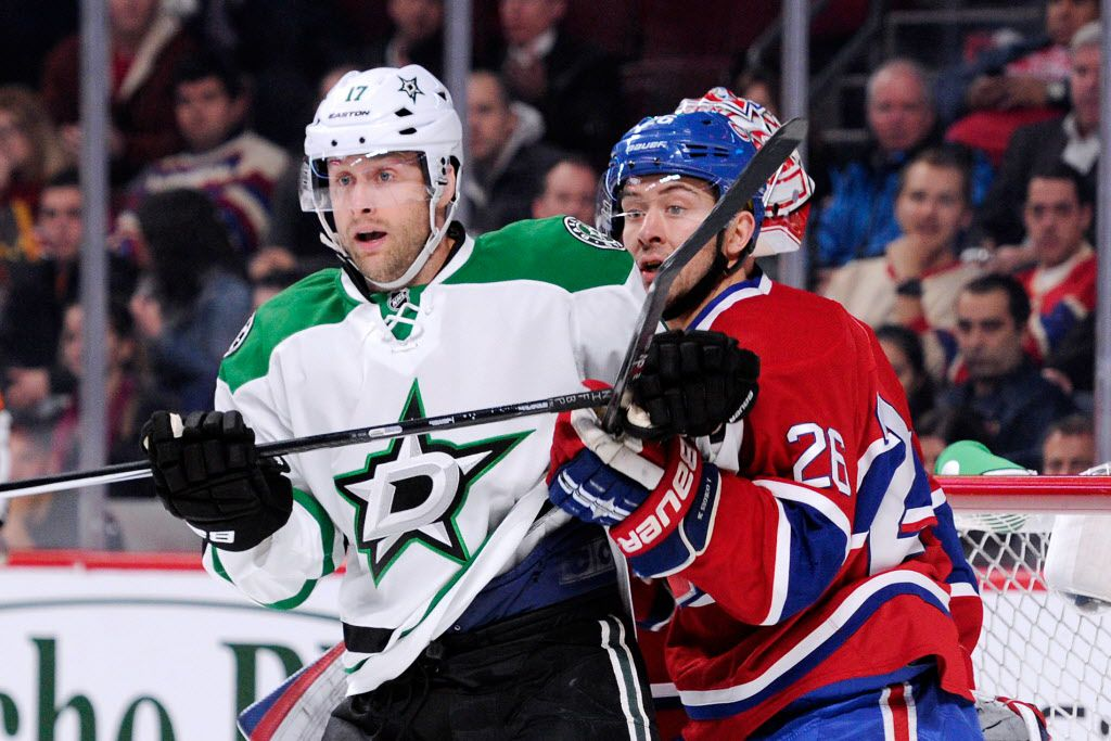 Josh Gorges #26 of the Montreal Canadiens defends against Rich Peverley #17 of the Dallas Stars during the NHL game at the Bell Centre on October 29, 2013 in Montreal, Quebec, Canada.